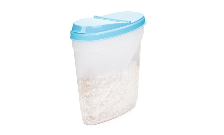 Food storage container (with breakfast cereal).